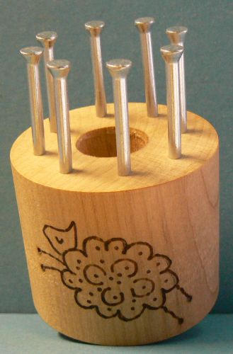 Bobbin with 8 metal pins
